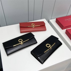Ferragamo new ladies long GANCINI wallet 22D150