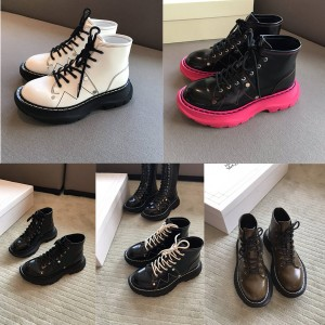 Alexander McQueen new polished leather Tread lace-up boots 595469