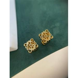 Loewe new three-dimensional logo Anagram earrings