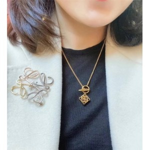Loewe new three-dimensional logo Anagram necklace
