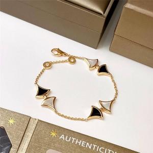 Bvlgari Divas' Dream series black and white fan-shaped bracelet