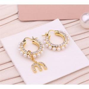 miumiu asymmetric MIU PEARL small earrings 5JO654