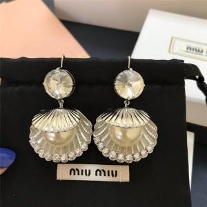 miumiu counter round diamond shell pearl earrings