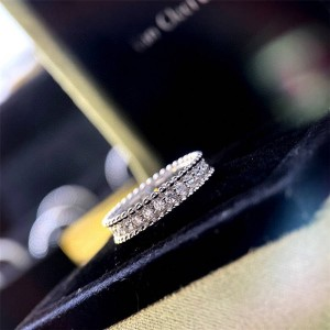 Van Cleef & Arpels VCA single row diamond Perlée diamonds ring