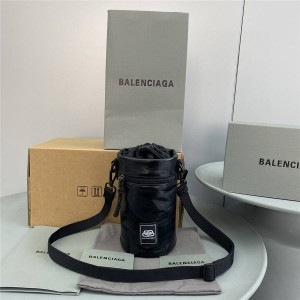 Balenciaga leather Weekend Bottle Holder handbag 6181931