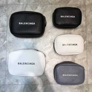 Balenciaga official website new EVERYDAY series camera bag