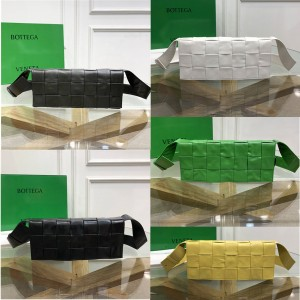 Bottega Veneta BV CASSETTE stretch handbag 629068