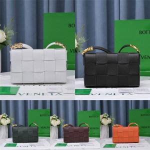Bottega Veneta BV CASSETTE Crossbody Bag Box Bag 666870