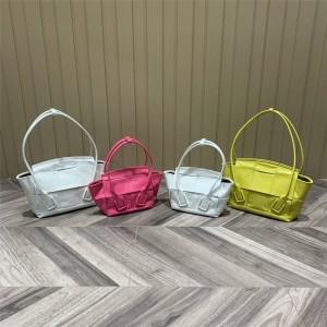 Bottega Veneta BV ARCO 29/33 handbag oil wax leather 666873/666874