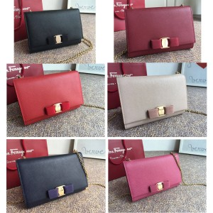 Ferragamo Bag Vara Bow Mini WOC Chain Bag 22B558
