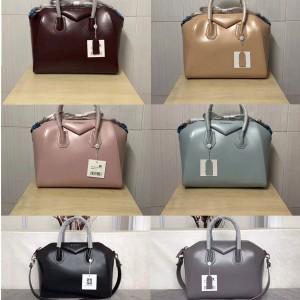 Givenchy handbag in shiny cowhide Antigona handbag