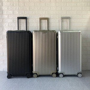 RIMOWA official website Sport Consignment Luggage