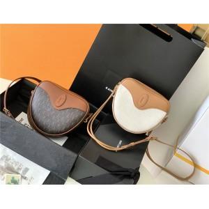 YSL Saint Laurent LE MONOGRAMME CŒUR handbag 675260