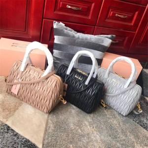 MiuMiu handbags new Matelassé sheepskin handbag 5BB033